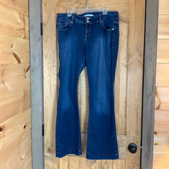 Torrid boot cut / wide leg denim jeans Size 16